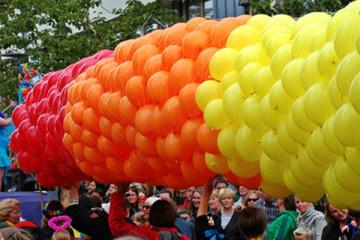 750x400-pride-balloon