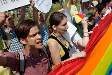 1400x700-russia-gay-flag