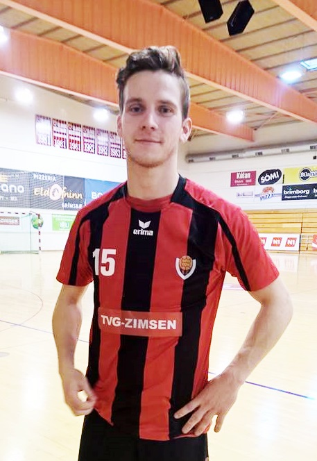 Daníel Örn Einarsson is the right wing for the men's handball team at sports club Víkingur.