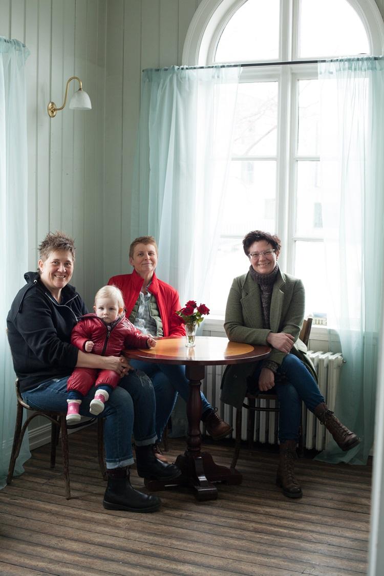 Katrín Jónsdóttir and her friends have organnized a dinner for queer women at Iðnó in central Reykjavik on March 12th.